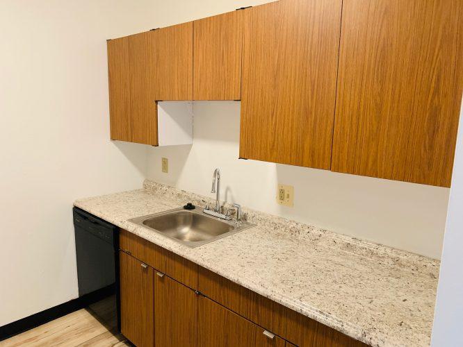Unit 15 Updated Kitchen with Dishwasher