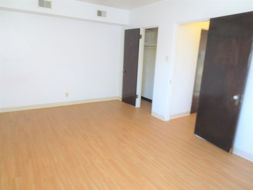 5 - Bedroom & Closet
