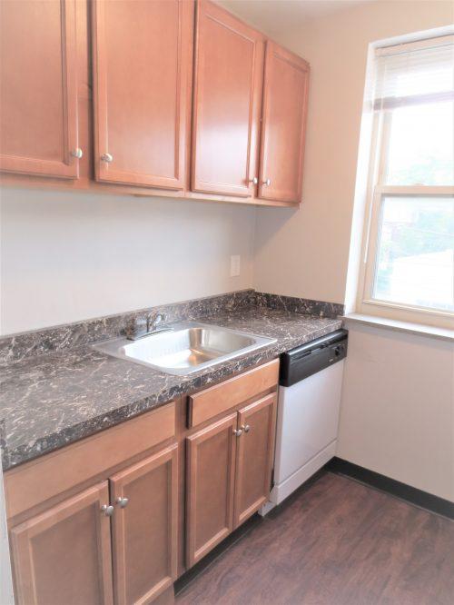 Kitchen with DW B8