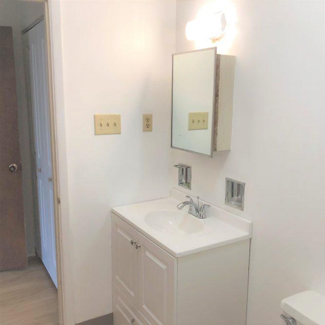 4 - Bathroom 2 (2)