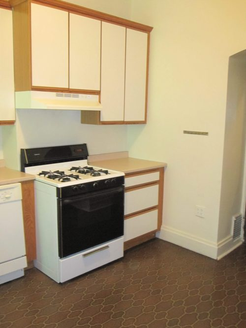 Kitchen with Self Cleaning Stove